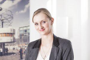 Christina Lütjann (Empfang, Kostenrechnung, Sekretariat)